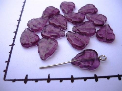 Korálky fialové lístečky 12 mm, 20 ks