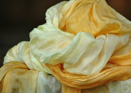 Vanilková s meruňkovou... hedvábná maxi šála