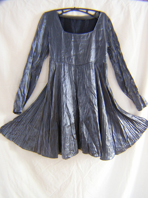 šaty nad kolena