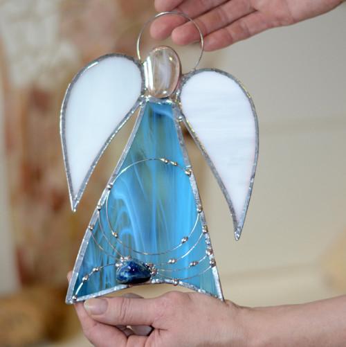 Světle modrý andělíček s modrým achátem