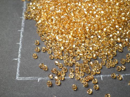 Rokajl 2 mm, krásný zlatý, 10gr