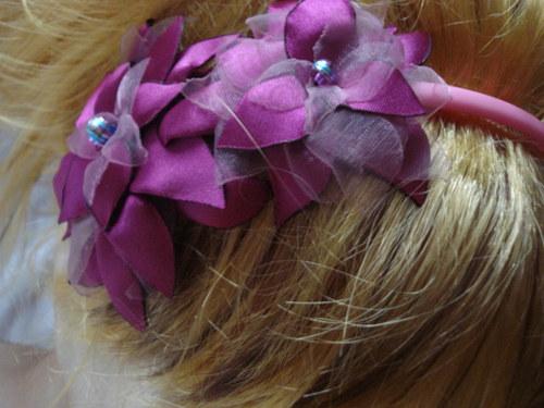 tmavě růžová čelenka