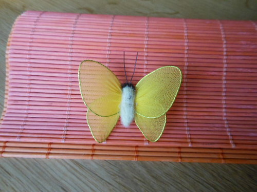 Nylonový motýl  žlutý