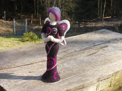 autorská plstěná panenka - anděla