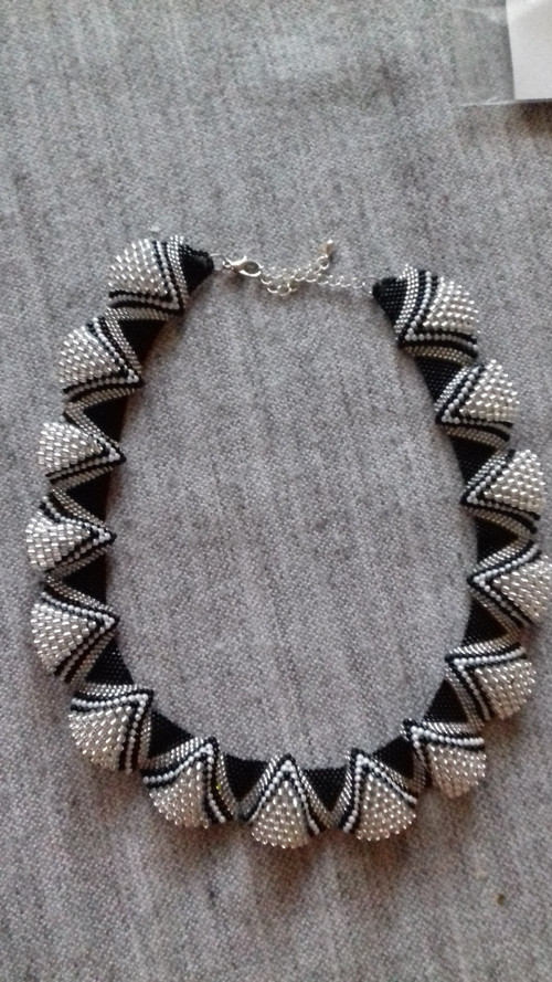 náhrdelník vlny