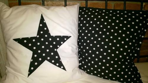 Polštář bílý s cernou hvězdou 40x40