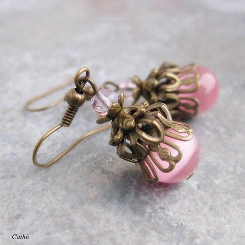 Růžová v bronzové