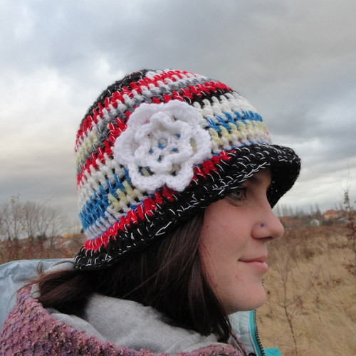 Rozverný klobouček