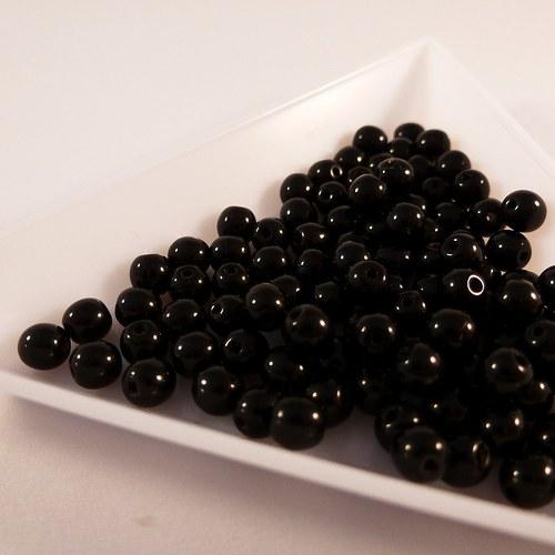 Kuličky 4 mm černé 100 ks