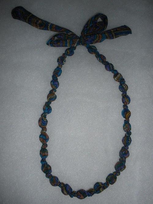 Uzlikovaný náhrdelník