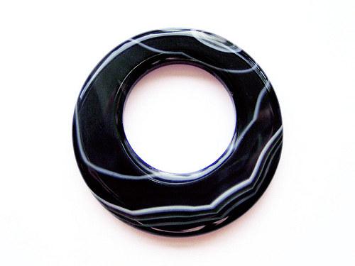 Kruh z černobílého achátu ((PM121))