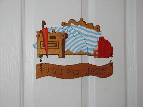 Dřevěná cedulka na dveře POKOJ PRO HOSTY