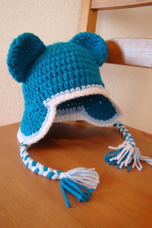 Modrá s copy  - háčkovaná čepice