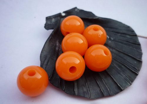 oranžové akrylové korálky 6 ks - 10 mm