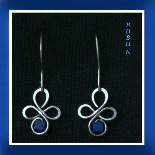 Modré čtyřlístky