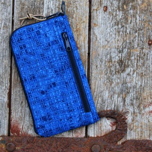 obal na mobil se zipem a kapsou- modrý