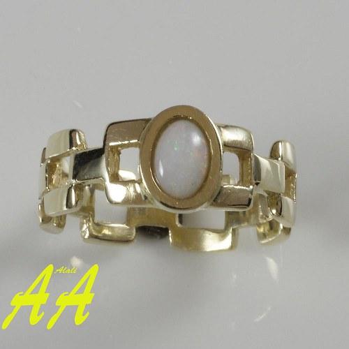 Široký prsten s opálem