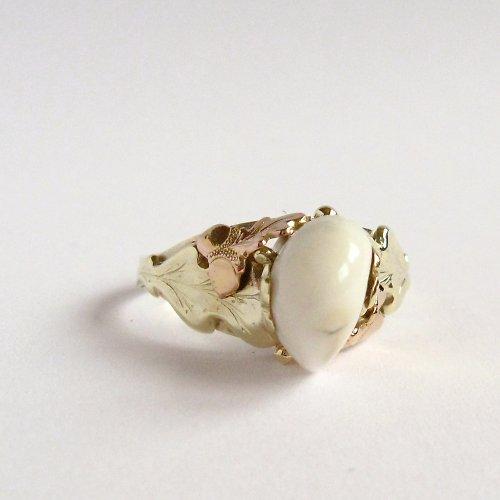 Lovecký prsten (zlatý prsten s grandlí)