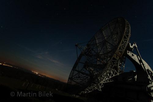 radioteleskop za úplňku