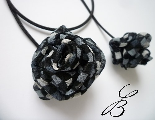 Růže městská - náhrdelník