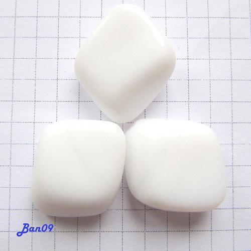 Kosočtverce bílé