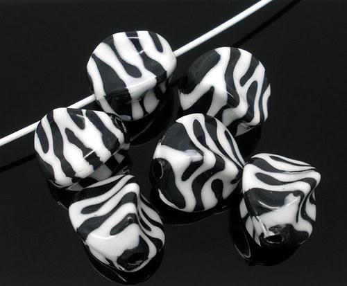 akrylové korálky twist/ zebra/ bílá/ 15x15mm/ 50ks