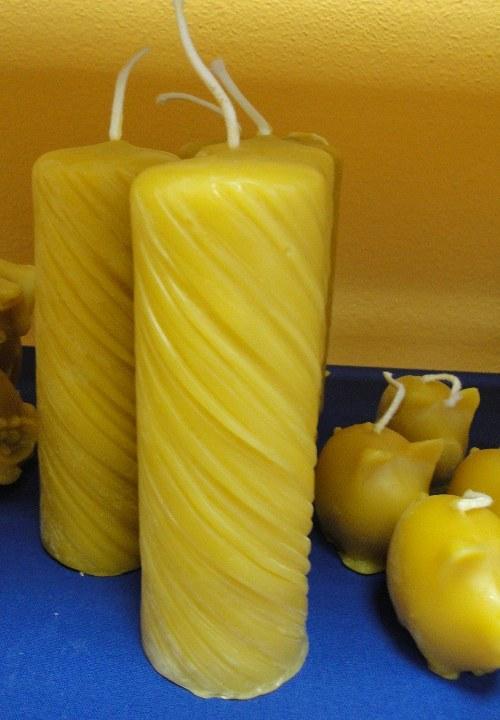 Svíčka ze včelího vosku - drásaná