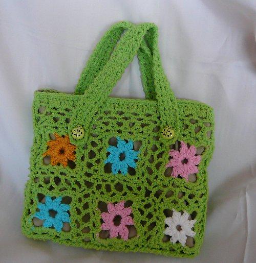 Veselá jarní kabelka