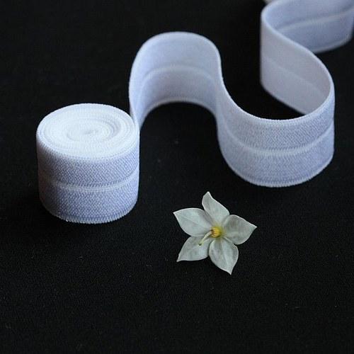 Lemovací gumička 19mm oboustranná SNĚHOBÍLÁ