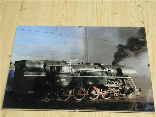 Lokomotiva ve skle