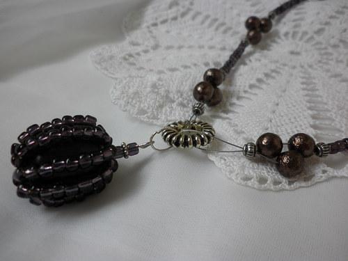 fialovo-hnědý náhrdelník