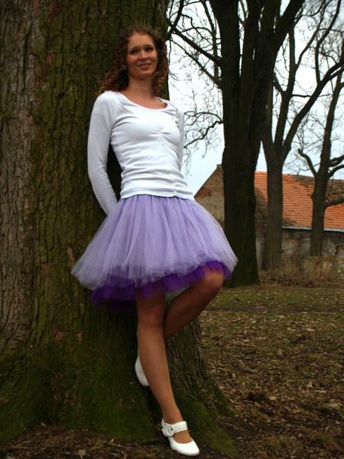 Světle fialová tylová sukně