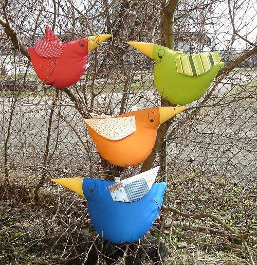 ...ptáci Střemhlaváci...na stromě