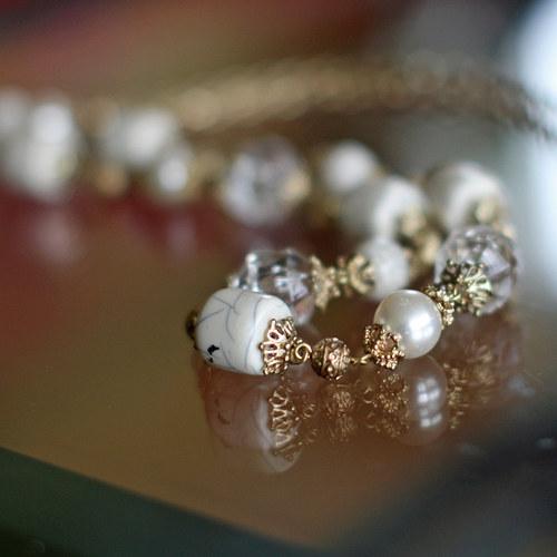 náhrdelník - módní řetěz s komponenty zlatobéžový