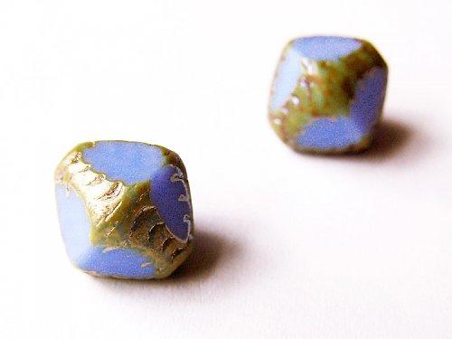 Fialové diamanty se zlatým pokovem (ploškované)