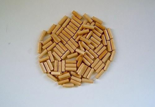Dřevěné korálky  4x11 mm 100ks