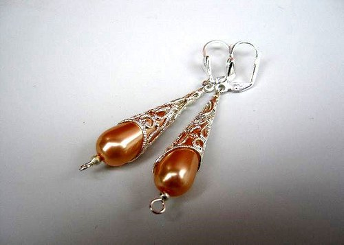 Apricot drops in the lace náušnice