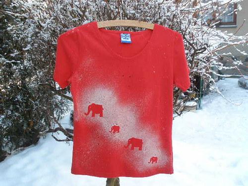 Červené triko vel. M sloníci