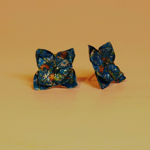 náušnice s origami kytičkovými korálky