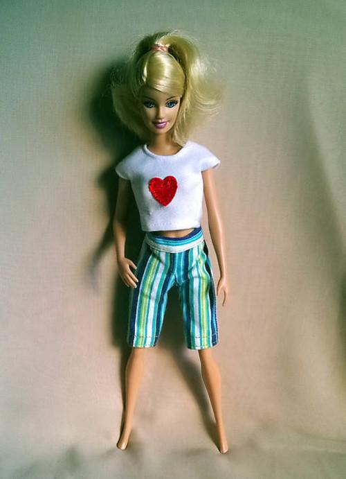 Tričko so srdiečkom pre Barbie