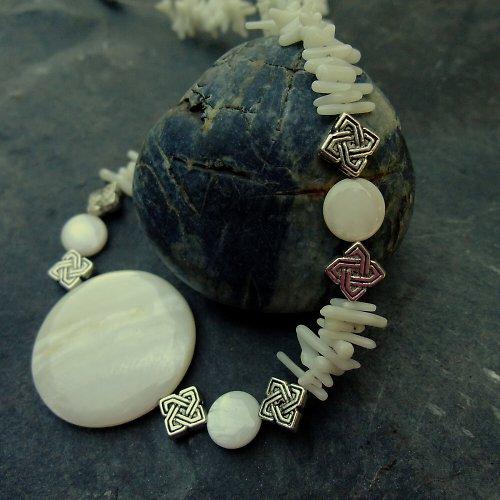 Perleťové mámení