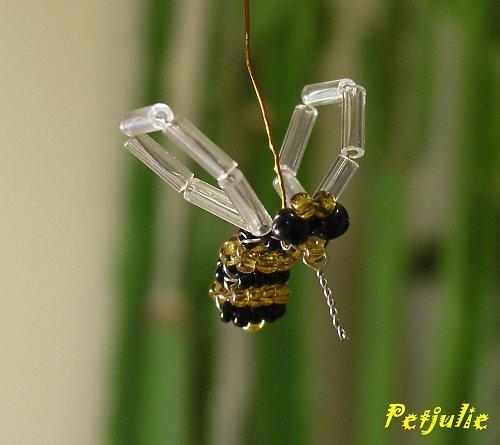 včela ? vosa ?...trubec.. :)))