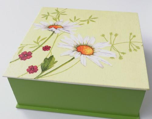 Dřevěná krabička - Louka (sv. zelená)