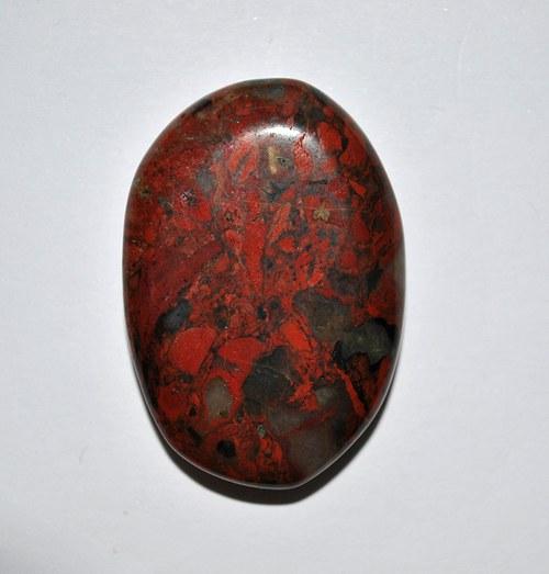 JASPIS  brakcia - 3,8 x 2,4 x 0,4 cm