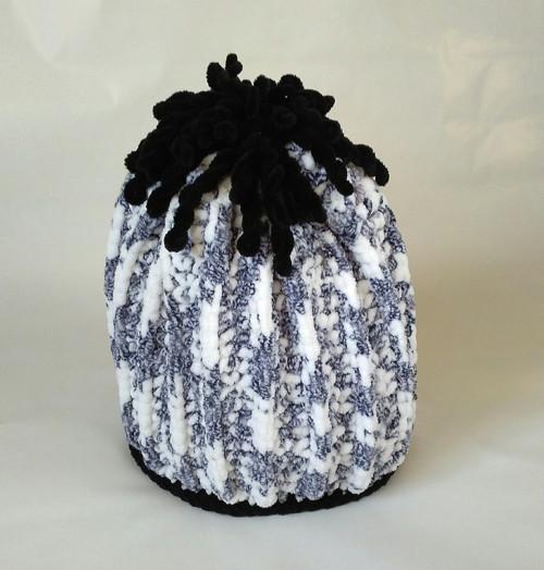 Dětská čepice - bílošedý melír s černými detaily