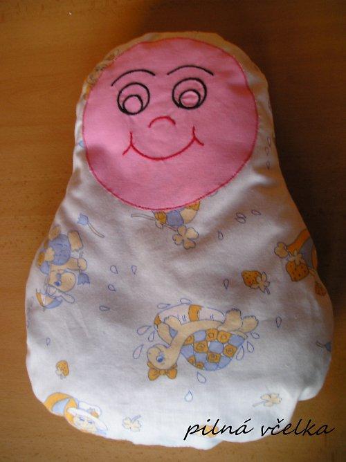 Polštářek-panenka