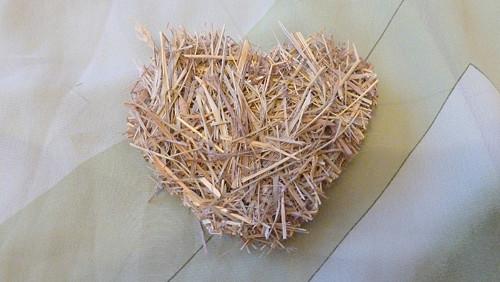 Srdce ze sena malé baculaté jednostranné