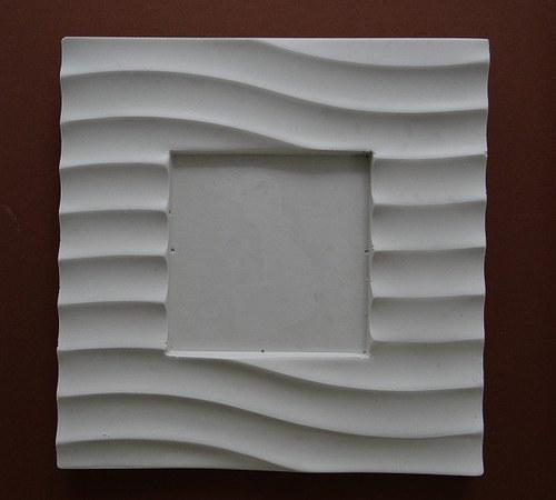 Sádrová dekorace fotorámeček pruhy