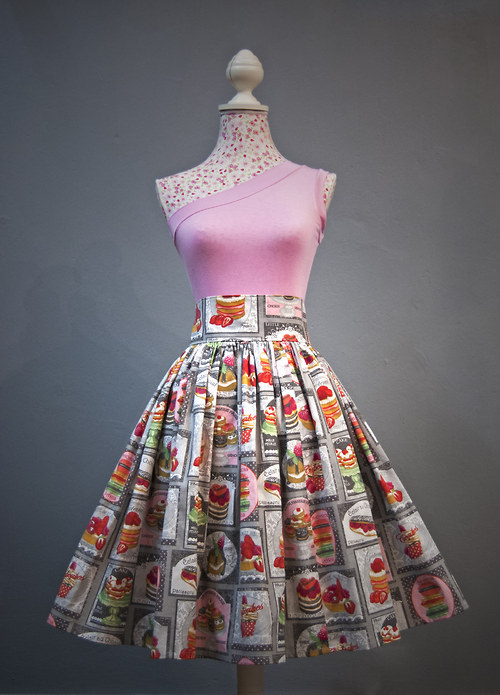 Cukrátková sukně