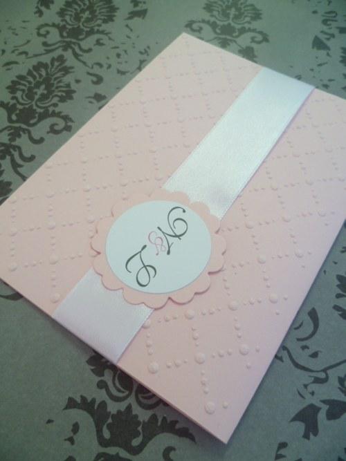 růžovobílé svatební oznámení se vzorem